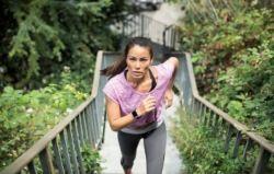 Pulsera de actividad mujer running