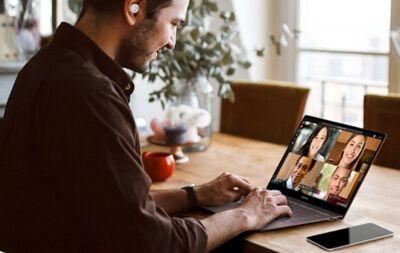 Auriculares emparejados con PC y móvil